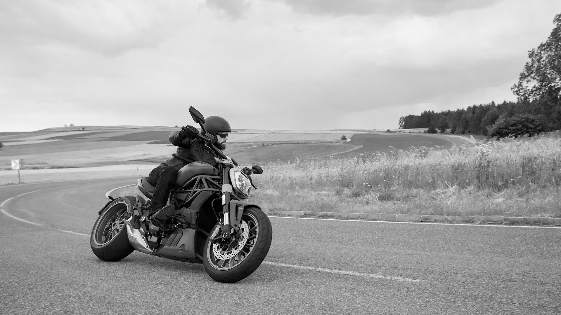 Ducati XDiavel: unique Sport-Cruiser bikes