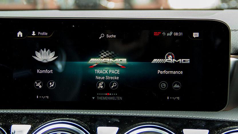 Mercedes AMG A 35 Infotainment