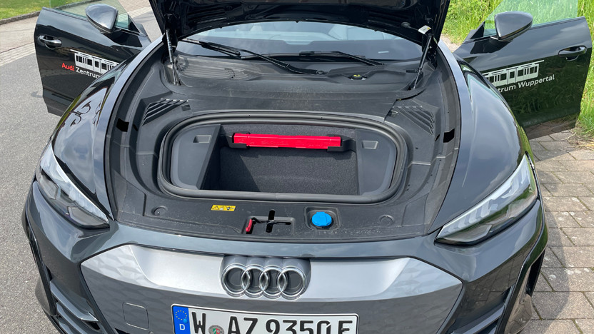 Audi e-tron GT Frunk
