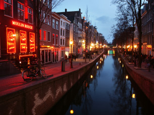 Pubcrawl i Red Light District i Amsterdam