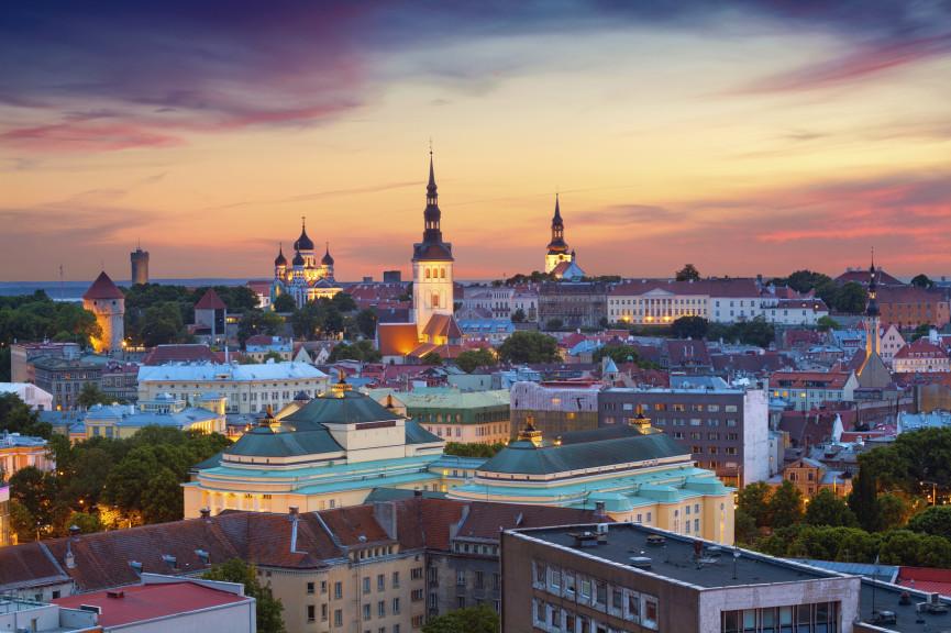 Gamlebyen i Tallinn, vakker og vibrerer av liv