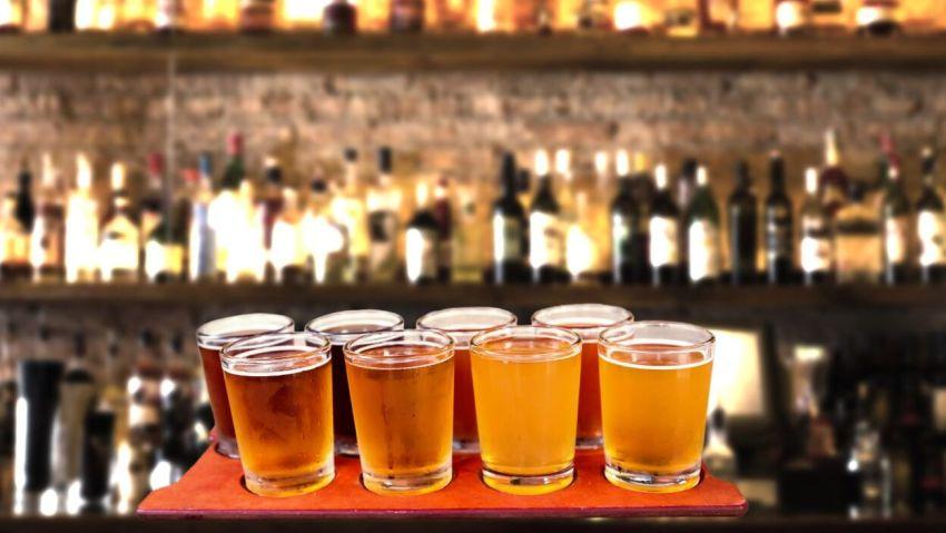Bier gehört zu jedem Pub Crawl dazu – auch in Amsterdam
