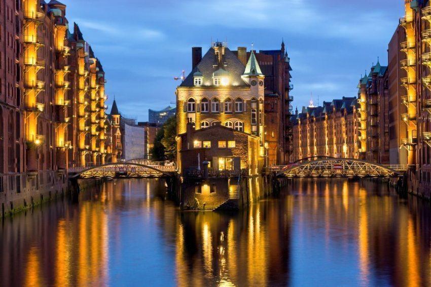 Die Hamburger Speicherstadt ist eine der berühmtesten Sehenswürdigkeiten der Stadt