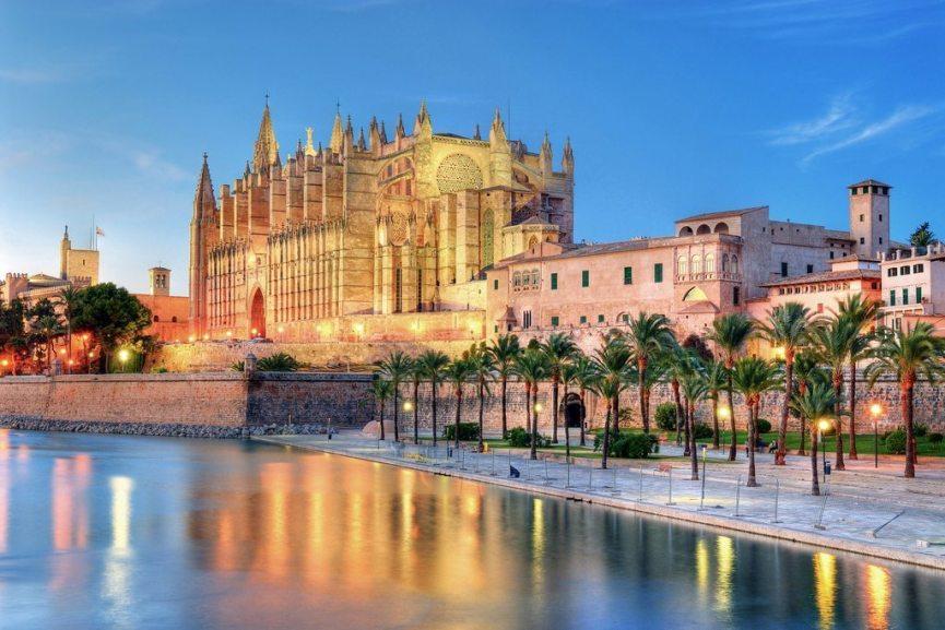 Beim Junggesellenabschied Mallorca genießen? Zum Beispiel in der Hauptstadt Palma.