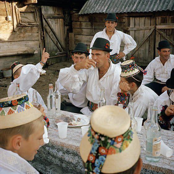 costume traditionnel hongrois