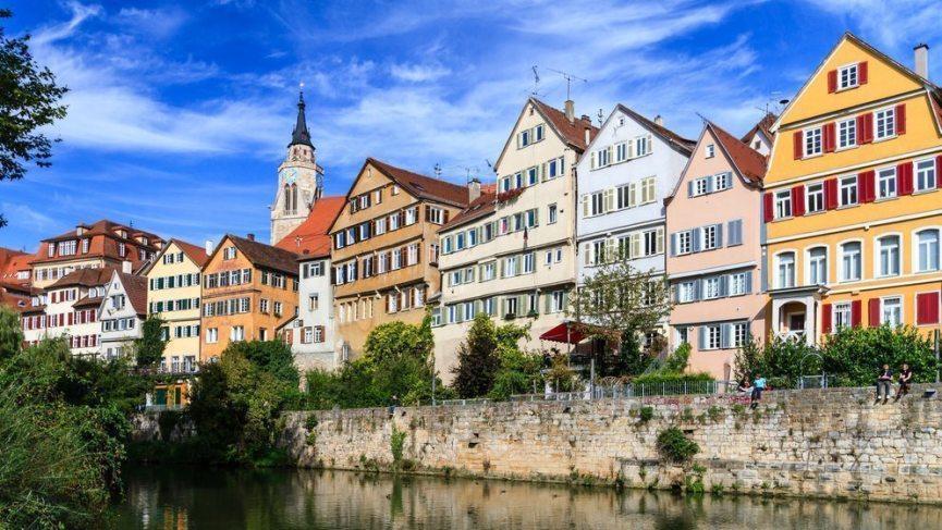 Für den Polterabend oder Junggesellenabschied Stuttgart ins Visier nehmen und ein Hammer-Wochenende verbringen.