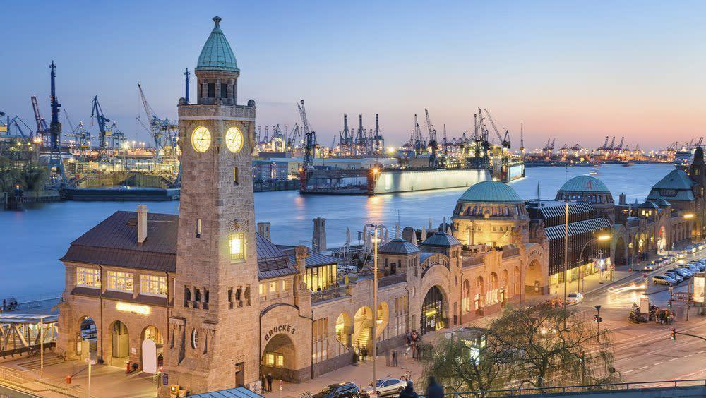Hamburg vom Wasser aus