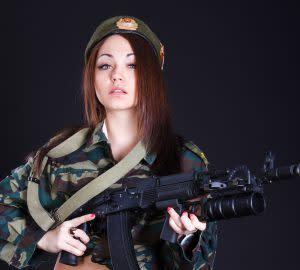 Skyt med AK-47 i Praha - guttetur og utdrikningslag med Pissup