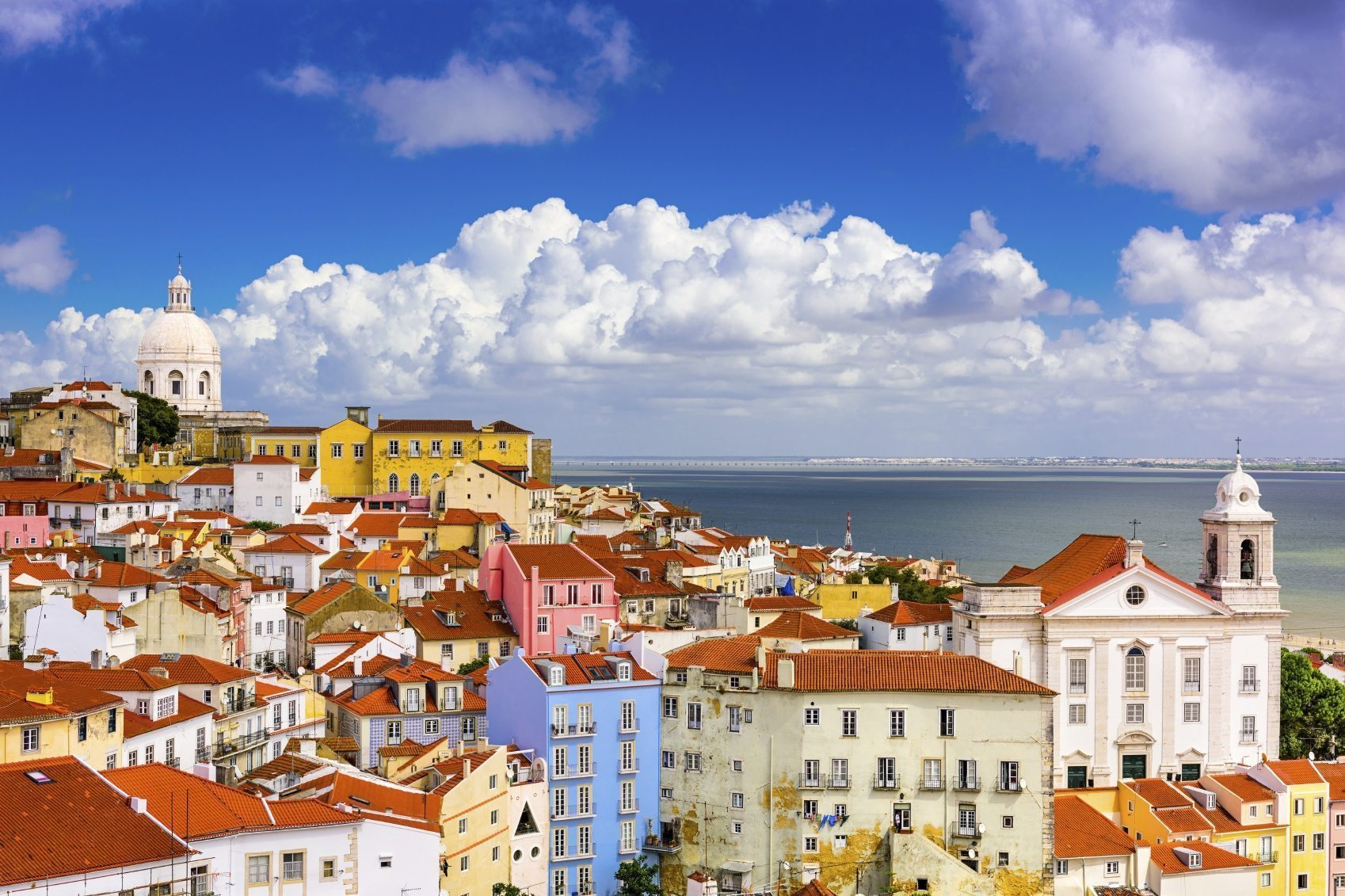 5 reasons to go to Lisbon - Pissup Stag Do