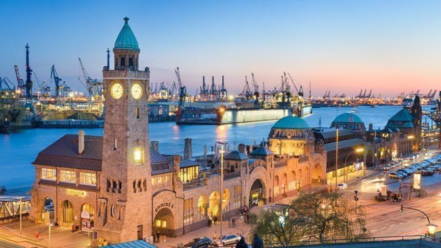 Beim Junggesellenabschied Hamburg und die Reeperbahn entdecken – ein echter Klassiker.