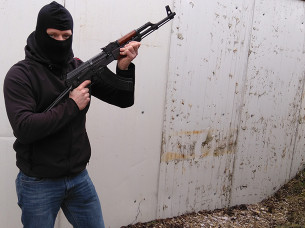 Kalashnikov Skydning i Prag