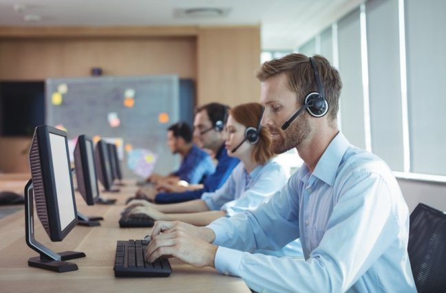 busy call center agents