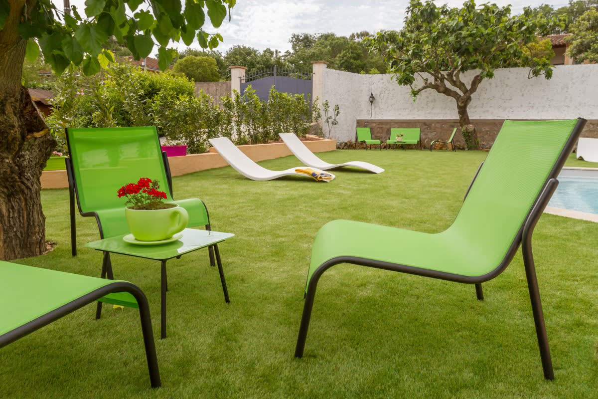 Image_text_un_4-gazon-toujours-vert-autour-de-ma-piscine