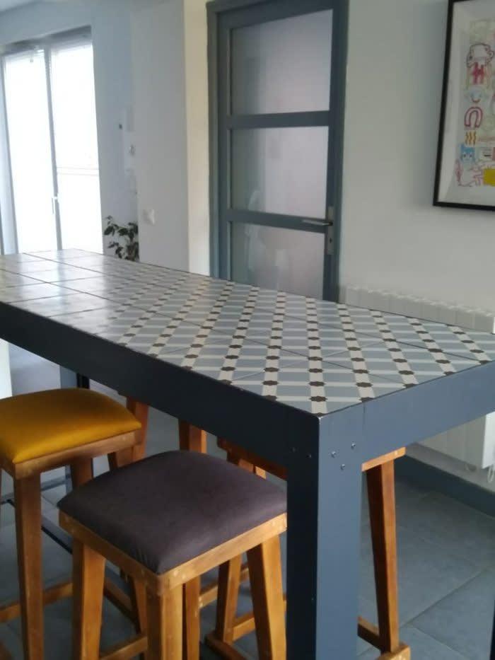 carrousel_2_une-table-diy-en-carreaux-de-ciment