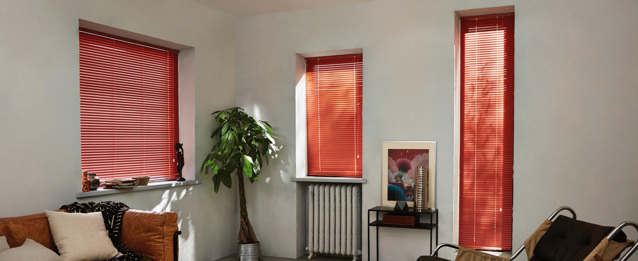 Habillage sur-mesure pour fenêtre hors-norme