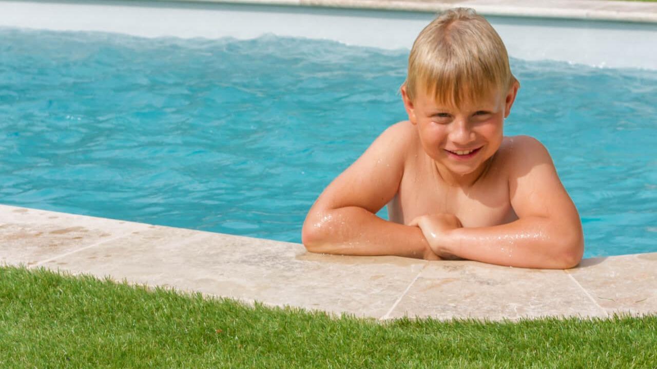 Image_text_3_un-gazon-toujours-vert-autour-de-ma-piscine