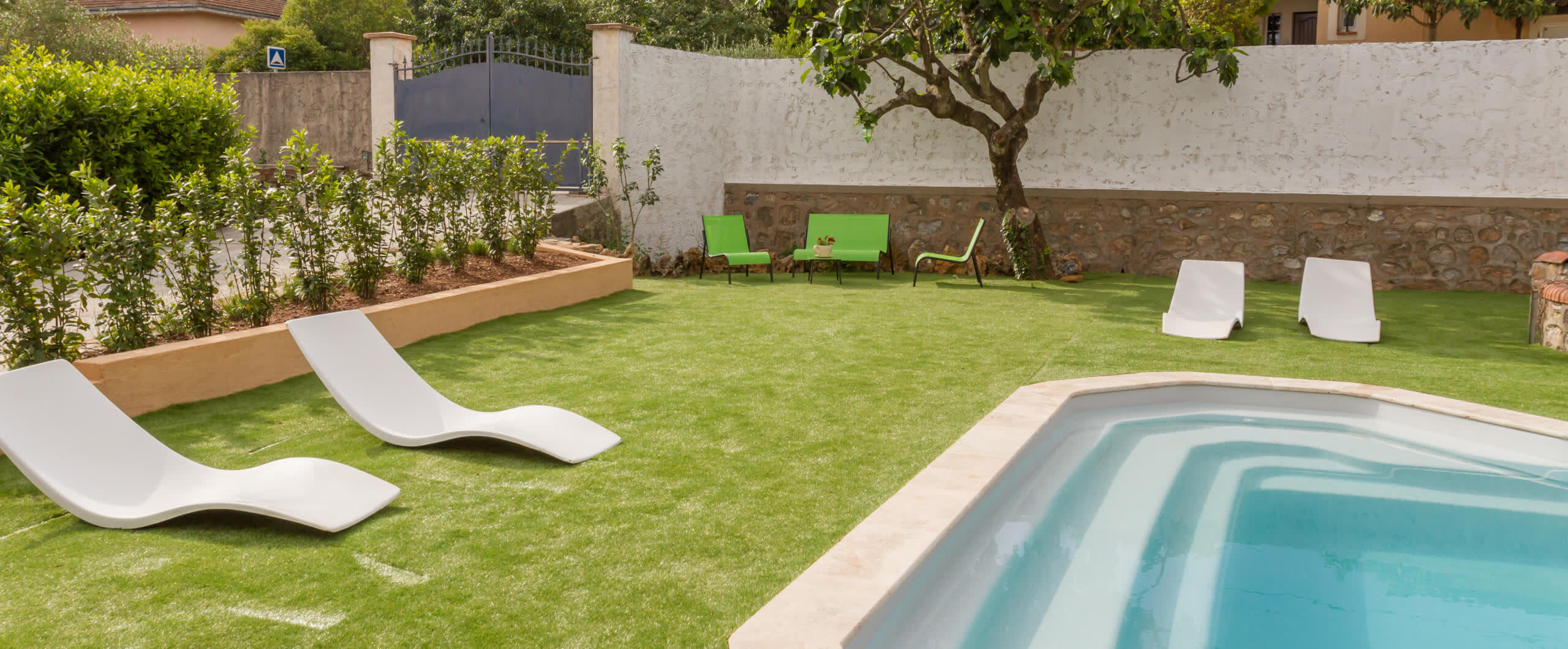 Top_banner_un-gazon-toujours-vert-autour-de-ma-piscine