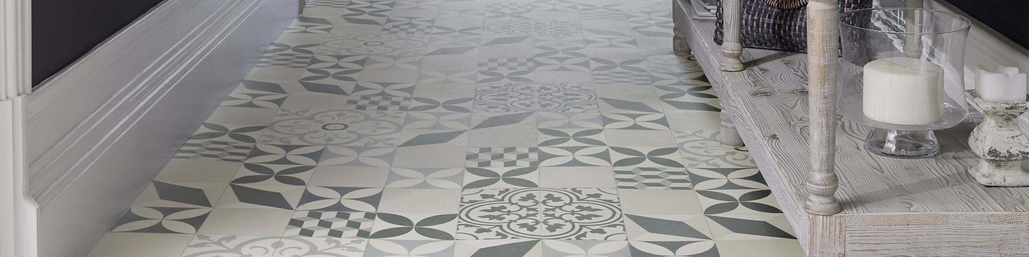 Sol vinyle effet carreaux de ciment  Saint Maclou