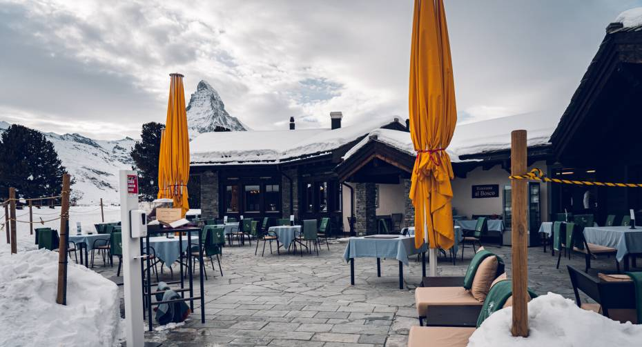 Restaurant Al Bosco Riffelalp Resort in winter