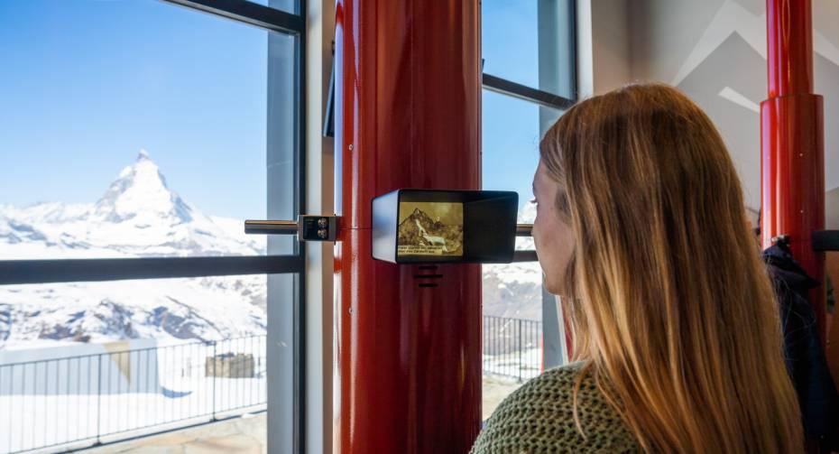 "Blick durch das Periskop auf das Matterhorn - ""Zooom the Matterhorn"""