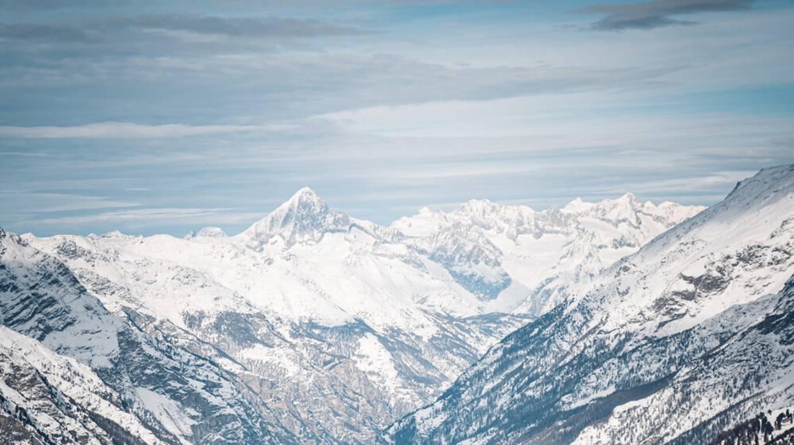 Restaurant Buffet Bar Riffelberg au-dessus de Zermatt en hiver