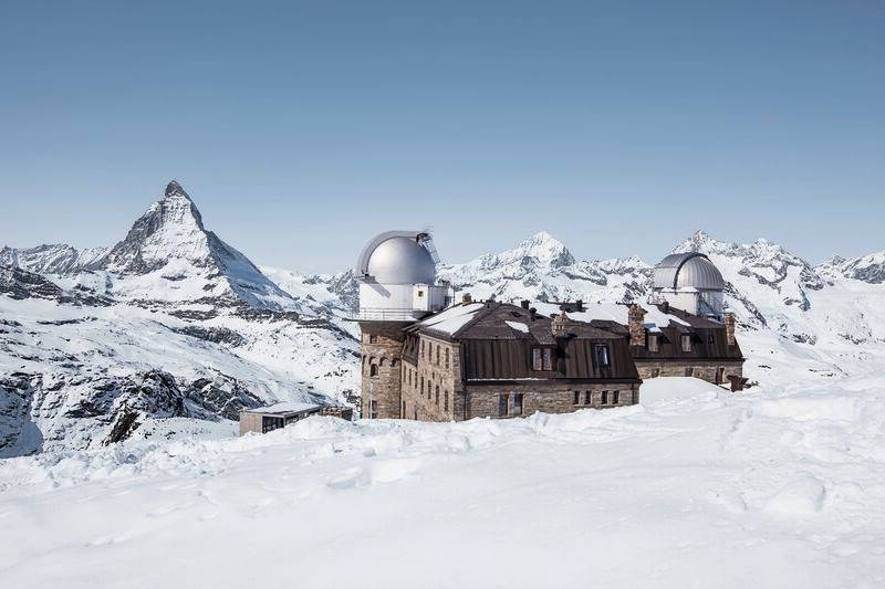 Kulmhotel in winter with a view of the Matterhorn