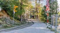 Chemin de l'arrêt Riffelalp jusqu'au Riffelalp Resort en été