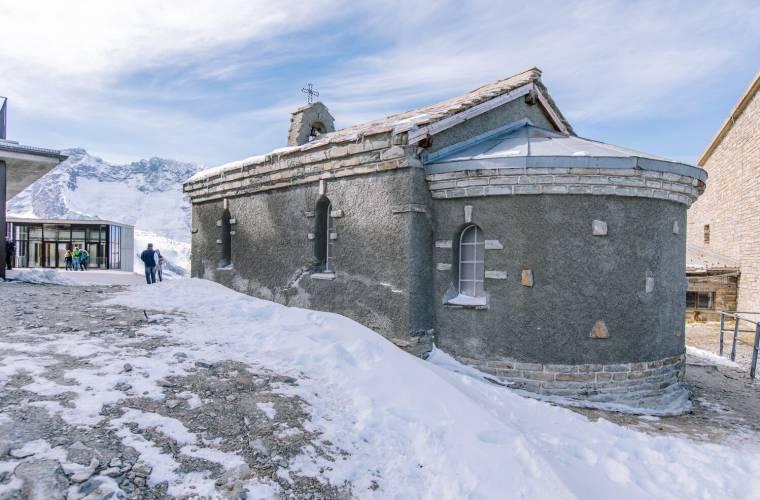 Kapelle Bern von Aosta im Schnee