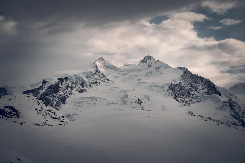 Dufourspitze, der höchste Berg der Schweiz, vom Gornergrat aus im Winter