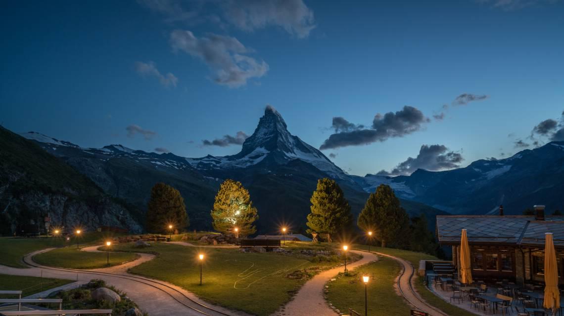 Das Riffelalp Resort mit Ausblick auf das Matterhorn am Gornergrat