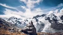 Vue sur le glacier du Gorner en été