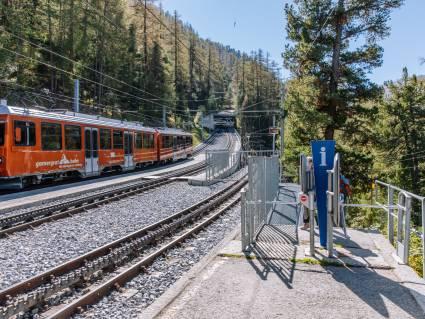 Station Findelbach im Sommer