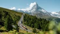 Gornergrat Bahn auf der Riffelalp oberhalb Zermatt im Sommer