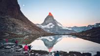 Lever du soleil au lac de Riffel au Rotenboden au-dessus de Zermatt