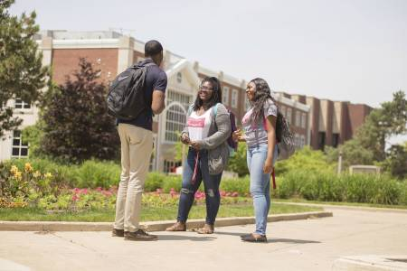 Students on campus at Illinois State University
