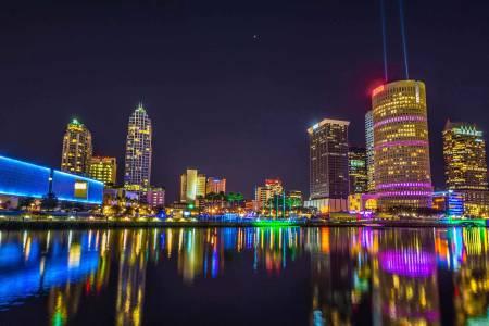 南佛罗里达大学校园附近的坦帕天际线(Tampa Skyline)