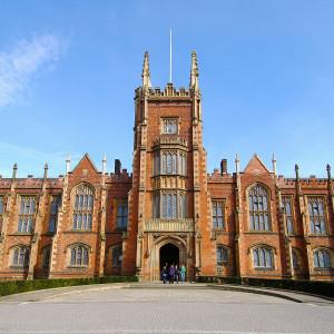 英国女王大学
