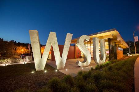 Sign for WSU on campus at Washington State University