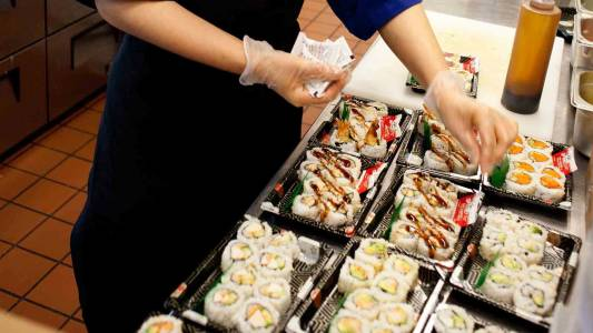 寿司是俄勒冈州立大学众多国际美食中的一种