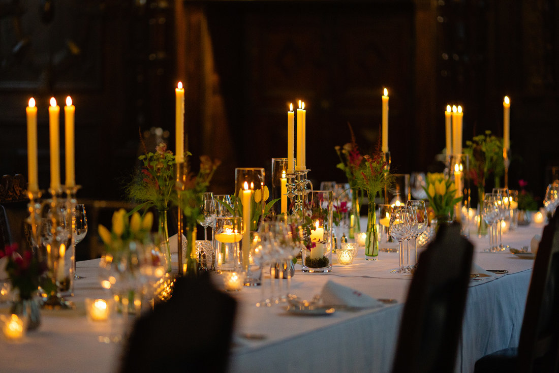 social-distance-wedding-low-vases-candles