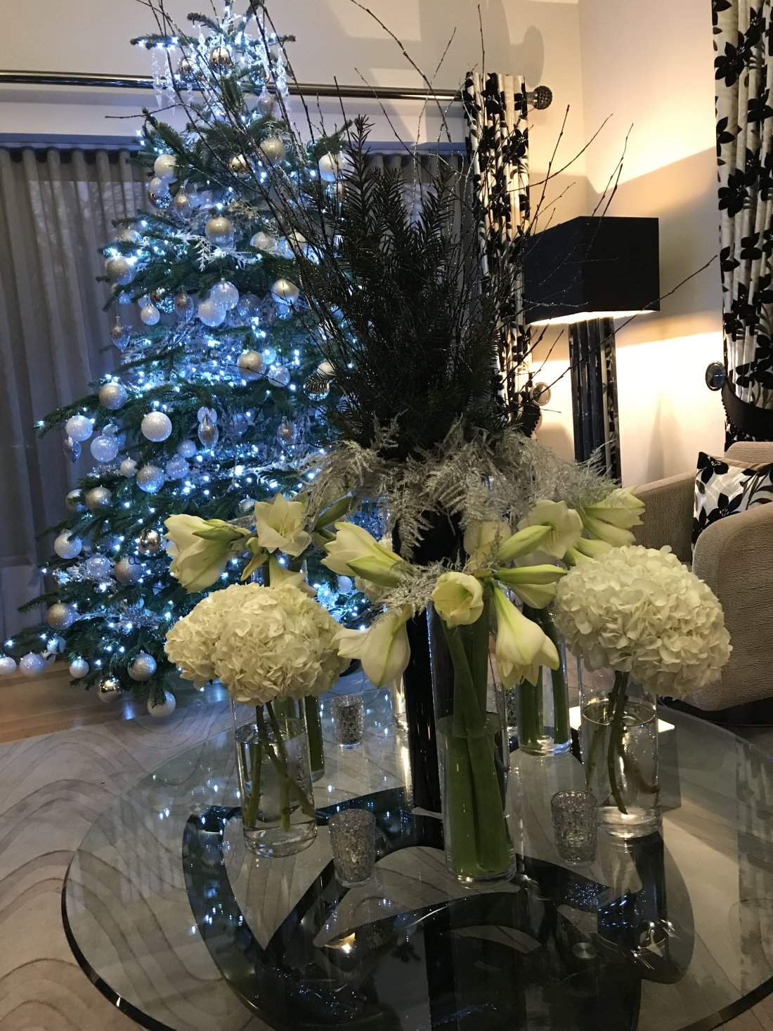 private-home-xmas-flowers