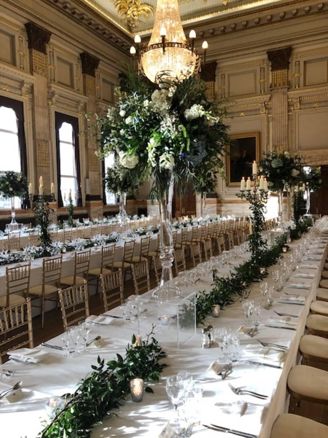 banquet-style-white-green-wedding-OGGS-venue