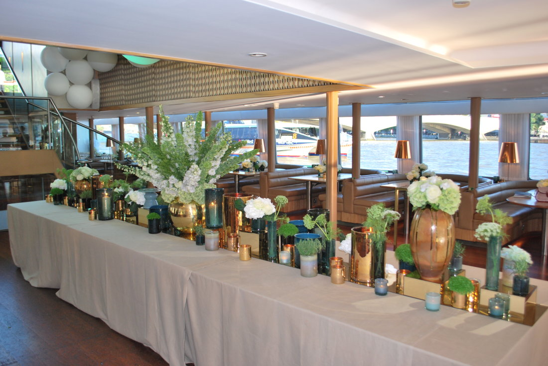 central-table-vase-display-boat-party