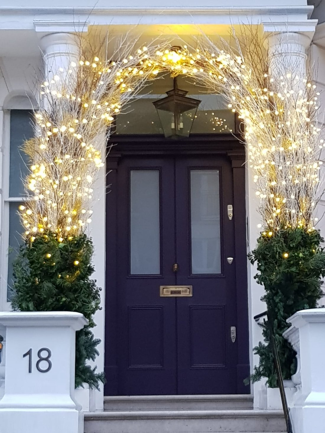 chelsea-private-home-xmas-arch
