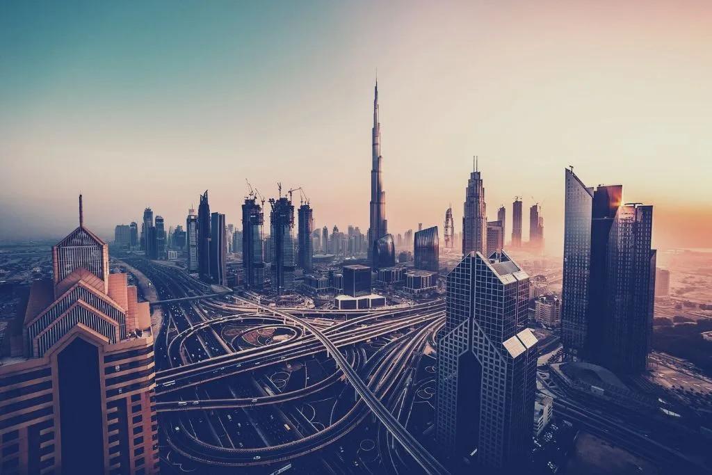 Dubai 2050: Vom Wüstenstaat zur nachhaltigsten Stadt der Welt?