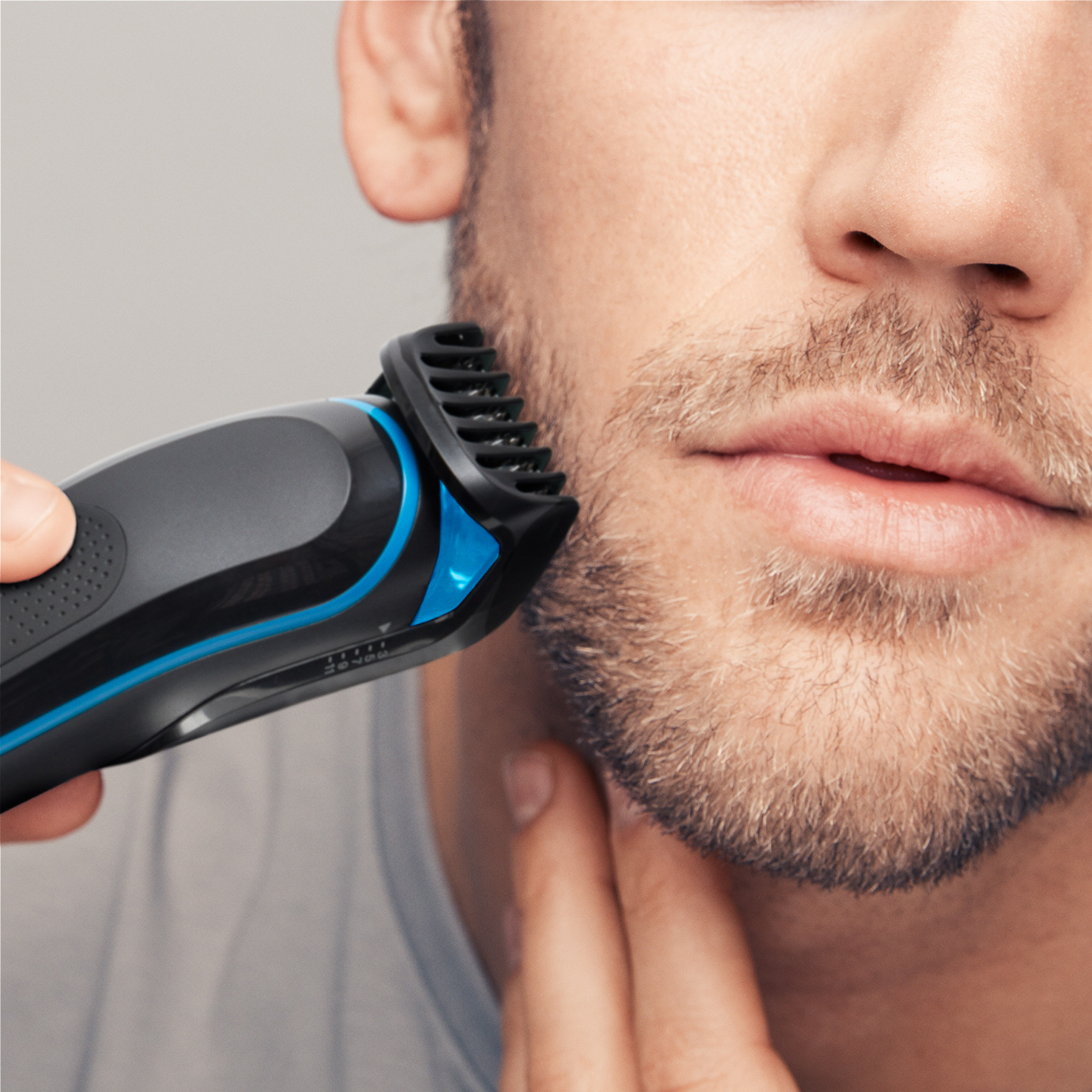 Braun All-in-one trimmer MGK5045 - In use