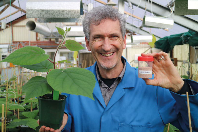 Phil Elmer: natural microorganisms for plant protection