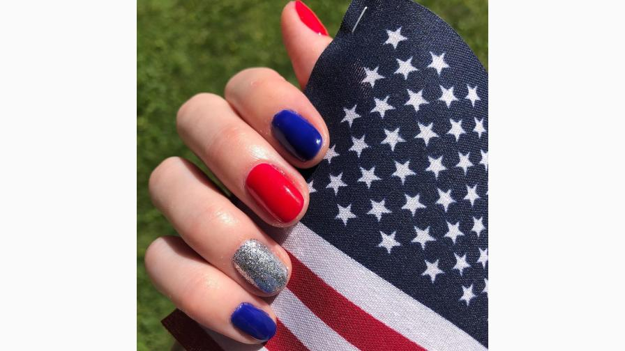 Alternating Blue and Red Nails