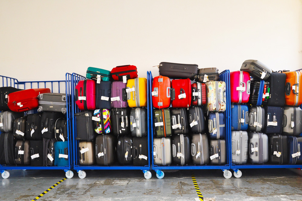 Suitcases on trolleys - Luggage tips