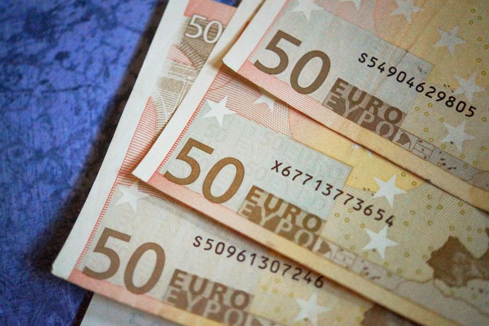 50 euro bills - Cash